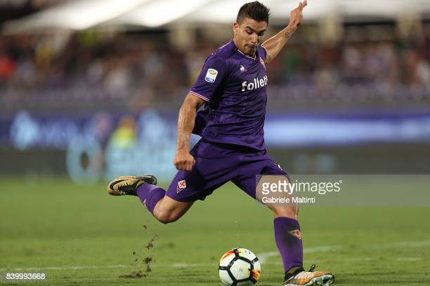 Giovanni Simeone of ACF Fiorentina in action during the Serie A match between ACF Fiorentina and UC Sampdoria at Stadio Artemio Franchi on August 27...