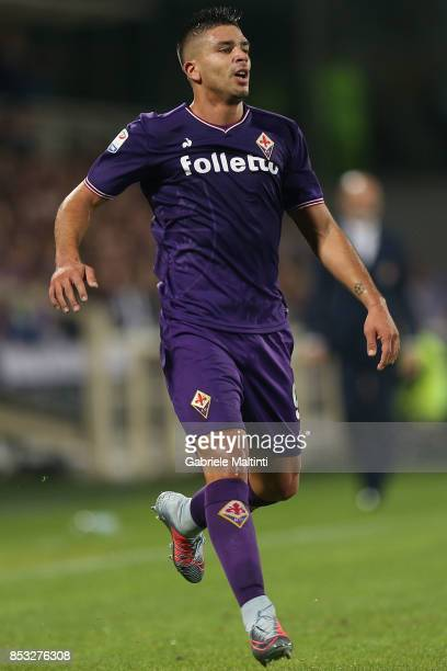 Giovanni Simeone of ACF Fiorentina in action during the Serie A match between FC Crotone and Benevento Calcio at Stadio Artemio Franchi on September...