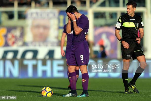 Giovanni Simeone of ACF Fiorentina reacts during the serie A match between ACF Fiorentina and Hellas Verona FC at Stadio Artemio Franchi on January...