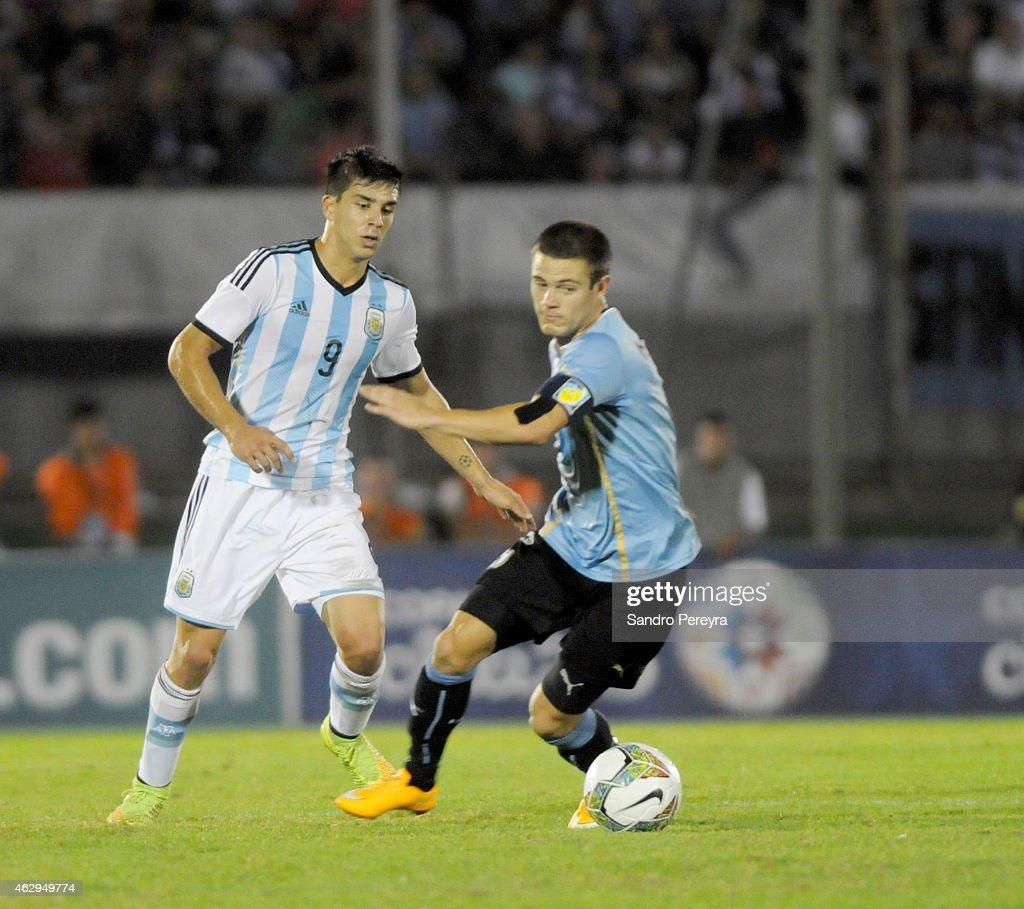 Argentina v Uruguay - Sudamericano Sub-20 Uruguay 2015 : News Photo