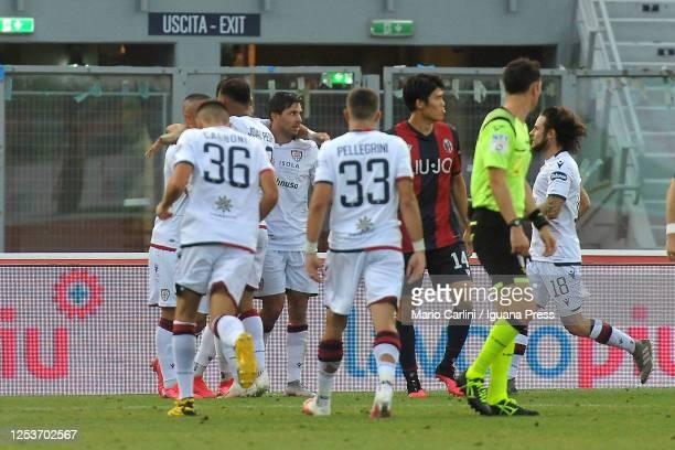 Giovanni Simeone of Cagliari Calcio celebrates after scoring a goal during the Serie A match between Bologna FC and Cagliari Calcio at Stadio Renato...