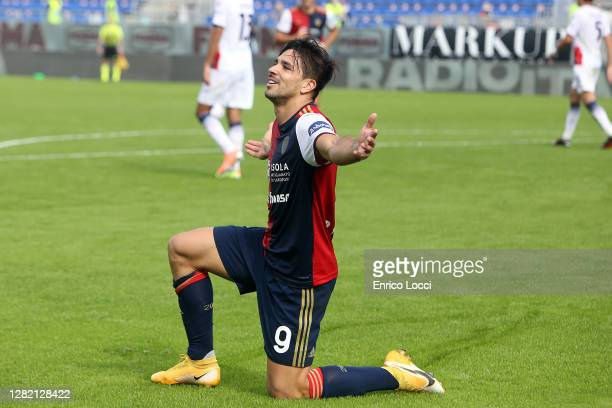 Giovanni Simeone of Cagliari celebrates his goal 21 during the Serie A match between Cagliari Calcio and FC Crotone at Sardegna Arena on October 25...