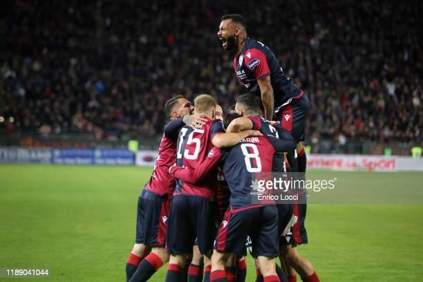 Giovanni Simeone of Cagliari celebrates with teammates his goal 1-0 during the Serie A match between Cagliari Calcio and SS Lazio at Sardegna Arena...