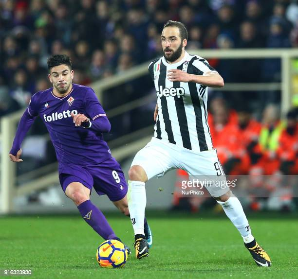 Giovanni Simeone of Fiorentina and Gonzalo Higuain of Juventus during the serie A match between ACF Fiorentina and Juventus at Stadio Artemio Franchi...