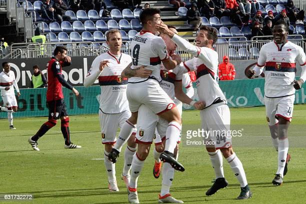 Giovanni Simeone of Genoa celebrates his goal 01 during the Serie A match between Cagliari Calcio and Genoa CFC at Stadio Sant'Elia on January 15...