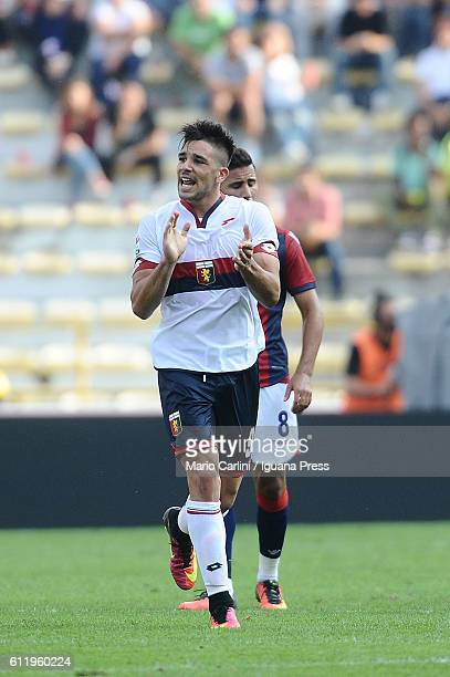 Giovanni Simeone of Genoa CFC celebrates after scoring the opening goal during the Serie A match between Bologna FC and Genoa CFC at Stadio Renato...
