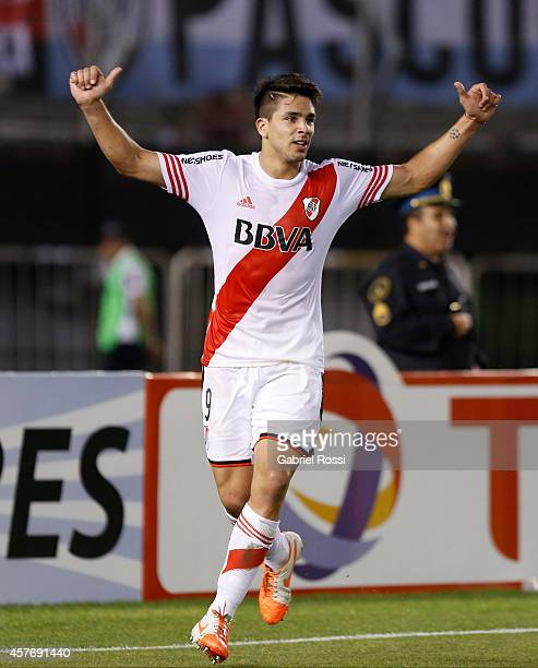 Giovanni Simeone of River Plate celebrates after scoring the second goal of his team during a second leg match between River Plate and Libertad as...