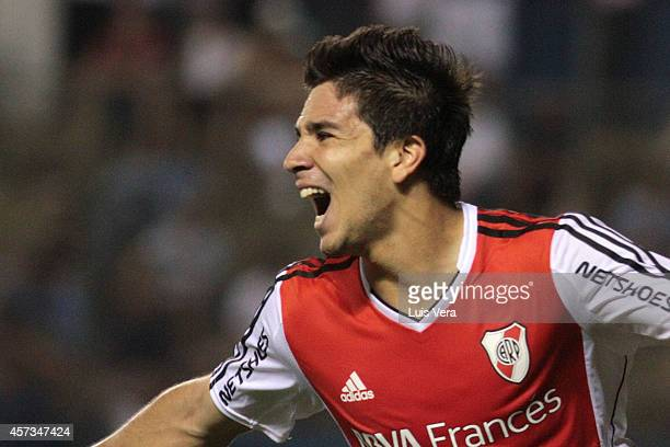 Giovanni Simeone of River Plate celebrates after scoring the third goal of his team during a match between Libertad and River Plate as part of round...