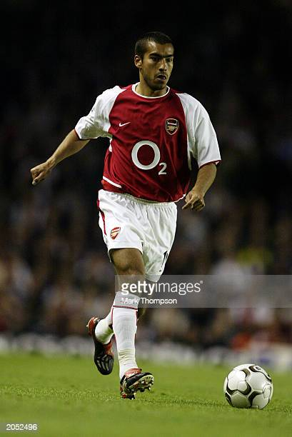 Giovanni van Bronckhorst of Arsenal running with the ball during the FA Barclaycard Premiership match between Arsenal and Southampton on May 7 2003...