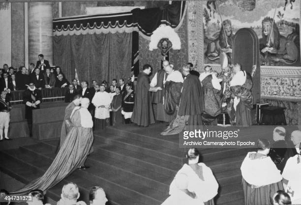 Giovanni XXIII ceremony in the San Pietro Basilica for Solemn Consistory about bestowal of Galero to 7 new Cardinals Dec 17 1959