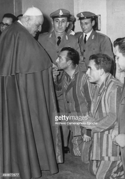 Giovanni XXIII visits the Regina Coeli jail Dec 26 1958