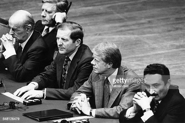 NATO Gipfel und UN Sonder Vollversammlung in Washington Bundeskanzler Helmut Schmidt Karamanlis NN Präsident Jimmy Carter und Bülent Ecevit 1979