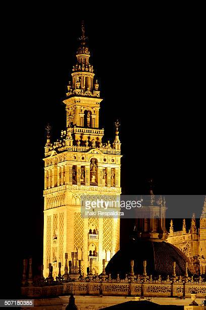 giralda by night - iñaki respaldiza stock pictures, royalty-free photos & images