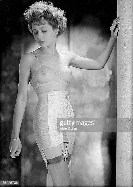 Girdle and bra Oriano Paris 1951 RV454549