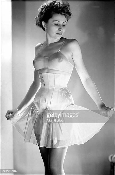 Girdle and bra Oriano Paris 1951 RV454563