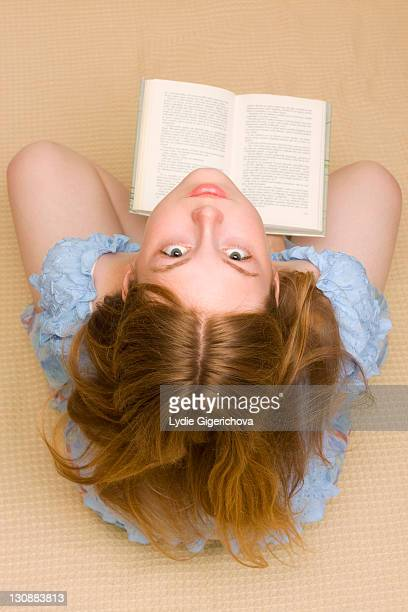 girl, 17 years, with book - 16 17 years stock pictures, royalty-free photos & images