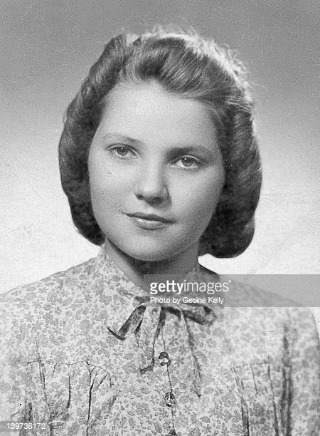 girl 1940's portrait - 1943 stock pictures, royalty-free photos & images