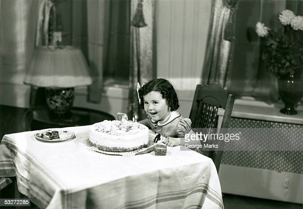 girl at birthday party - happy birthday vintage stockfoto's en -beelden