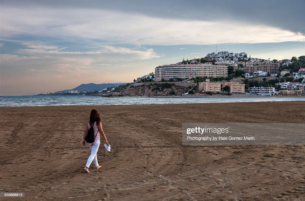 Girl at the beach : Foto stock