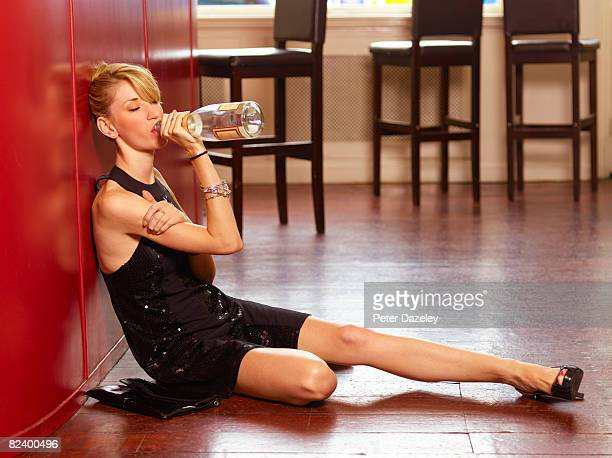 girl binge drinking - drunk woman stock pictures, royalty-free photos & images