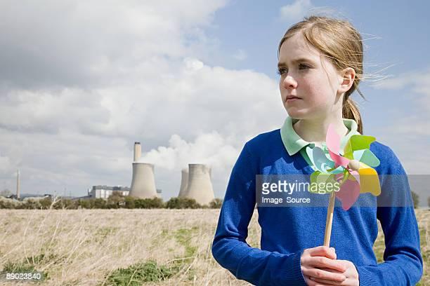 Mädchen mit Windrad von power station