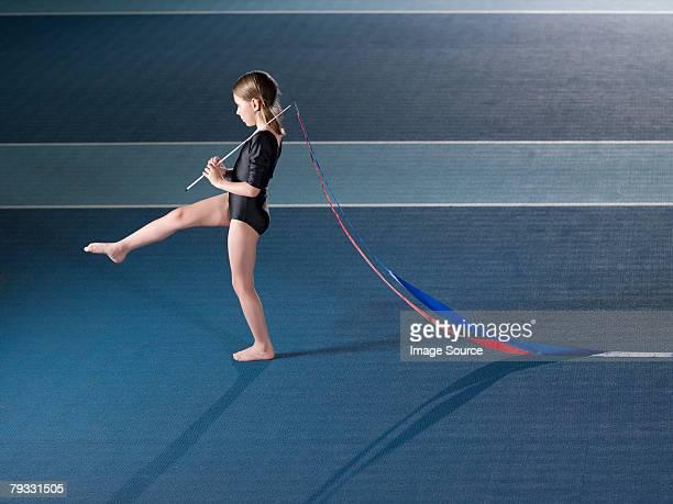 Mädchen, die Rhythmische Sportgymnastik