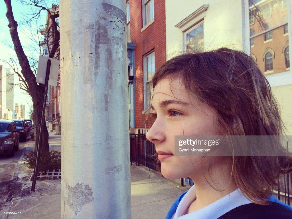 Girl Exploring the City : Stock-Foto