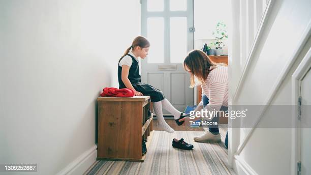 girl getting ready for school - education stock pictures, royalty-free photos & images