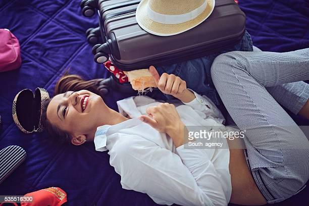 Mädchen glücklich über Reisen