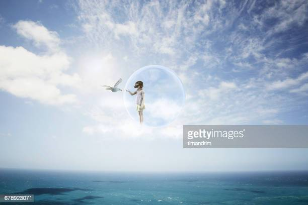 girl having a virtual reality experience - paesaggio marino foto e immagini stock