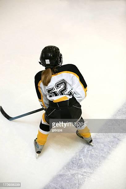 Mädchen-hockey-Spieler mit Ausblick