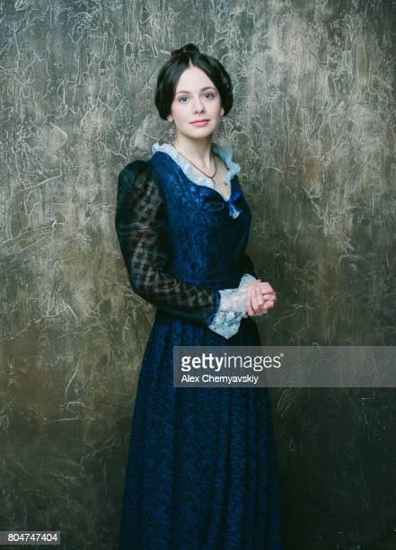 girl in blue dress - vestido azul fotografías e imágenes de stock