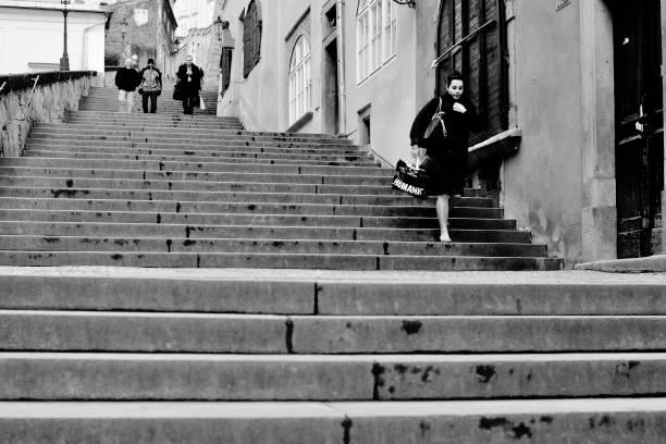 Girl in Prague in a rush / Chica de Praga con Prisa