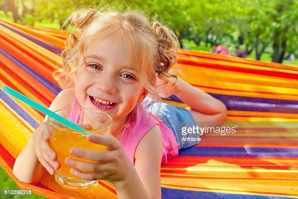chica en verano - linda pop fotografías e imágenes de stock