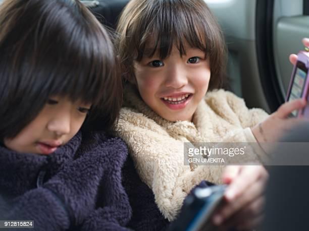 girl in the car - 車内 ストックフォトと画像