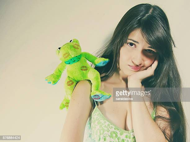 girl kissed a frog - child super models stock pictures, royalty-free photos & images