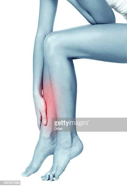 Mädchen Massagen Die dünne und lange müde Füße