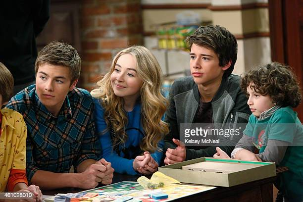 WORLD Girl Meets Game Night Riley invites her friends along to join the traditional Matthews' Family Game Night and Maya is excited to learn Riley's...
