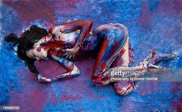 girl model painted human canvas - desnudos artisticos fotografías e imágenes de stock