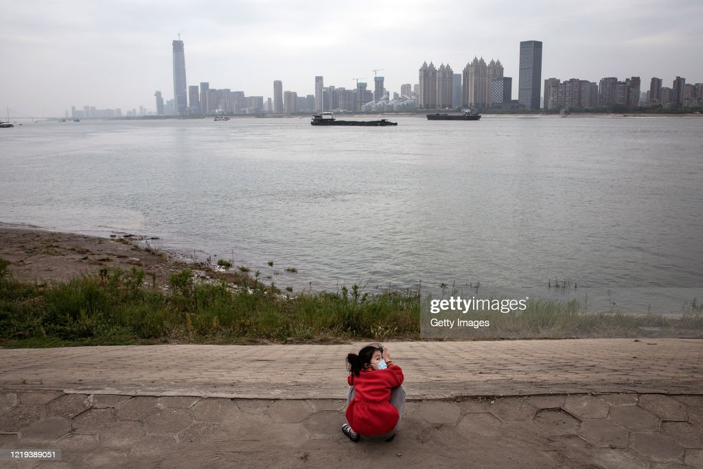 A Girl Play At Junction Of The Han River And The Yangtze River On News Photo Getty Images