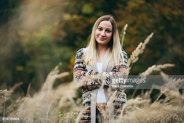 girl portrait in field