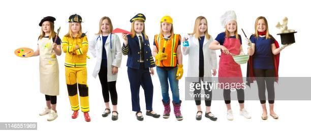 chica poder igualdad de género, futura elección de carrera y aspiración sobre fondo blanco - equidad de genero fotografías e imágenes de stock