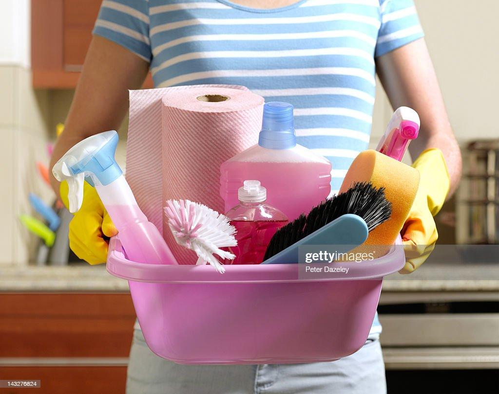 Girl preparing to spring clean : Stock Photo