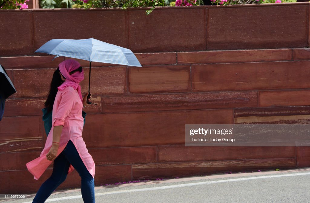 Heat Wave in Delhi : News Photo