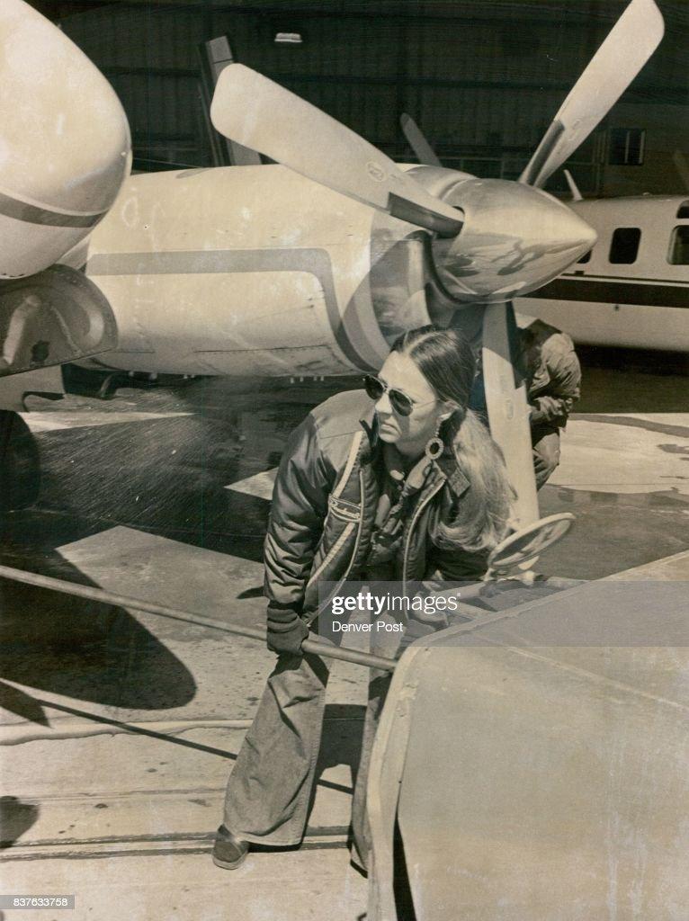 MAR 16 1977, MAR 17 1977, MAR 18 1977 ***** Girl' Rhonda Miller Beech Aircraft Corp. 1970-1979 Credit: Denver Post, Inc.