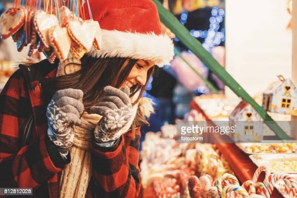 Shopping für Weihnachten Süßigkeiten Mädchen