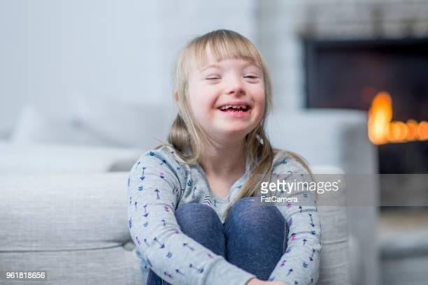 ソファに座っている女の子