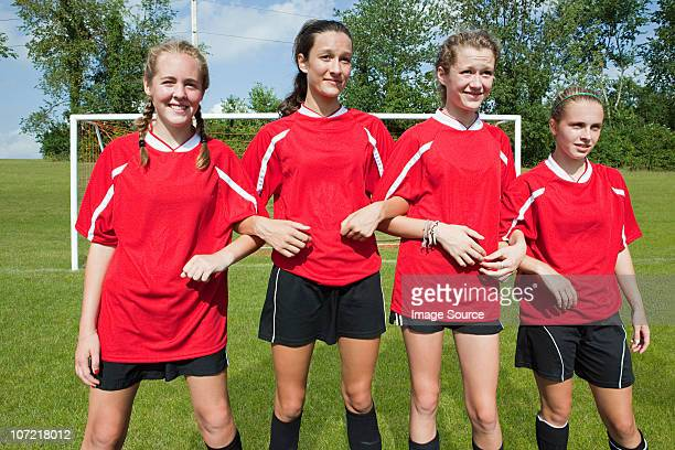 girl soccer players make defensive wall - defender soccer player stock pictures, royalty-free photos & images