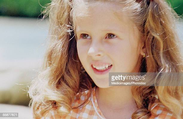 girl (4-7 years) standing, close-up, portrait - 4 5 years stock pictures, royalty-free photos & images