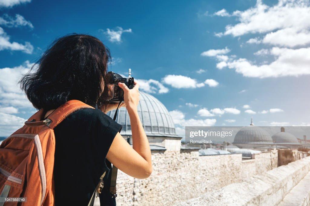 Mädchen Reisenden Fotografen Fotografieren von Landschaften von istanbul : Stock-Foto